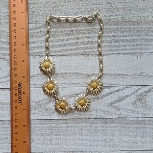 Silver Daisy Chain Necklace